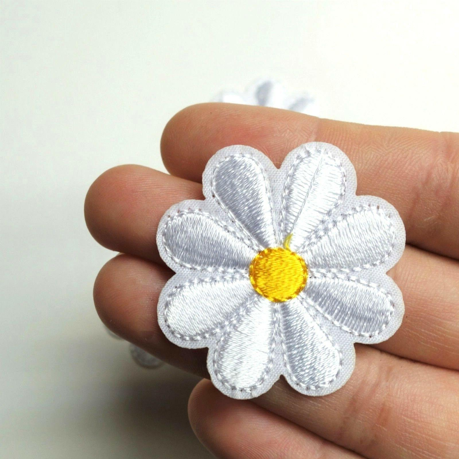 3x Daisy Patch Iron-On/Sew-On Embroidered Yellow White