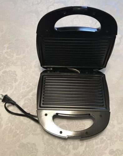 Brentwood TS-243 Black Steel Waffle